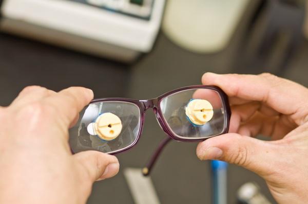 Как отшлифовать пластиковые очки своими руками 97